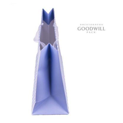 Бумажный пакет для одежды вид сбоку