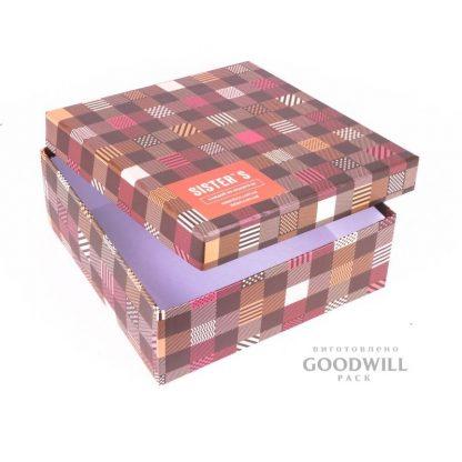 Коробка для одягу із переплетеного картону з логотипом фото