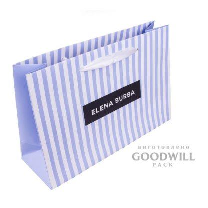Пакет с ручками для одежды с логотипом