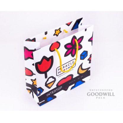 пакет паперовий для одягу з логотипом