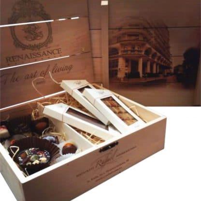Деревянная коробка с лазерной гравировкой