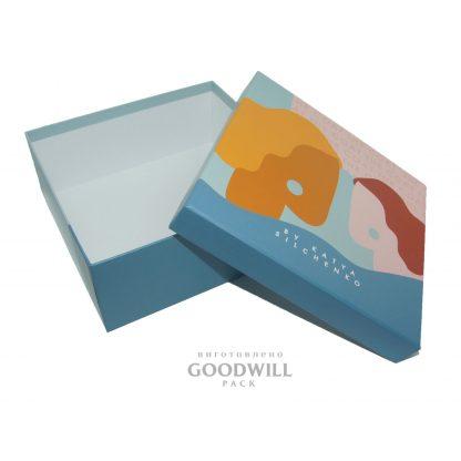 Изготовление коробок с логотипом для одежды