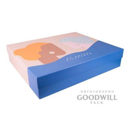 Коробка из переплетного картона для одежды с логотипом фото