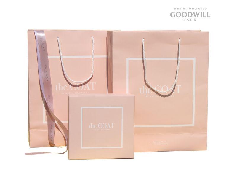 Фирменная упаковка для одежды