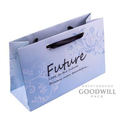 Фирменный пакет для ювелирных украшений фото