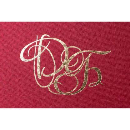 Фото логотипа на брендированной коробке