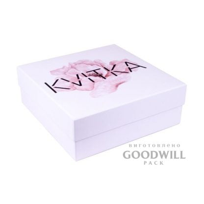 Фірмова коробка з палітурного картону для одягу з логотипом фото