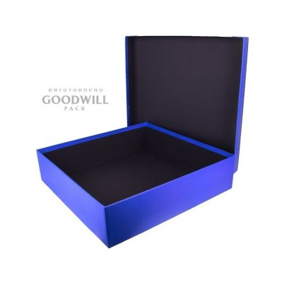 Изготовленная на заказ коробка для одежды вид сбоку