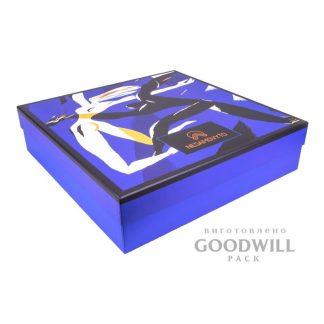 Коробка фирменная из переплетного картона с полноцветной печатью логотипа фото