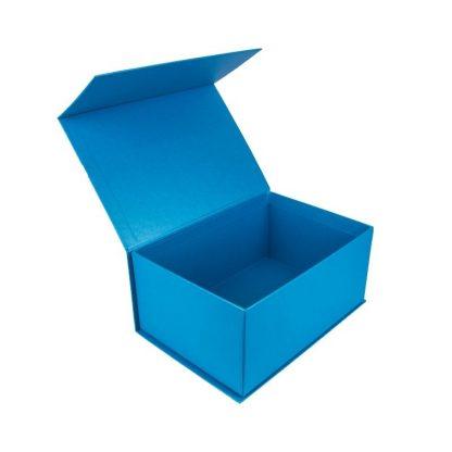 Коробка с магнитной лентой фото