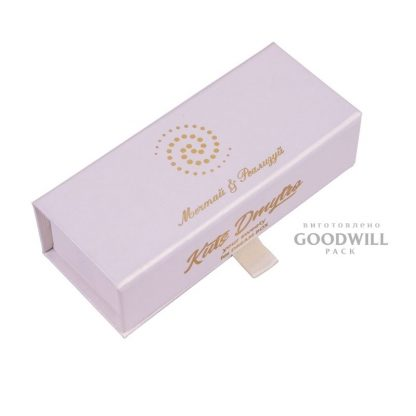 Коробка с логотипом для конфет фото